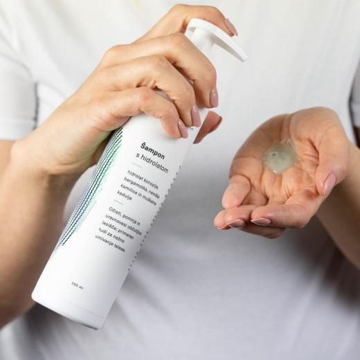Šampon s hidrolatom Hemptouch, 250 ml