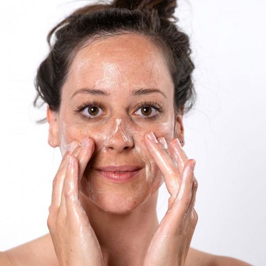 Čistilni gel za obraz Hemptouch, 100 ml